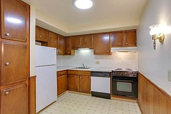 Apartment - Kitchen - Appliances Included