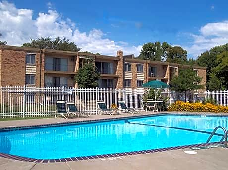 Wheelock Parkway Apartments for rent in St. Paul