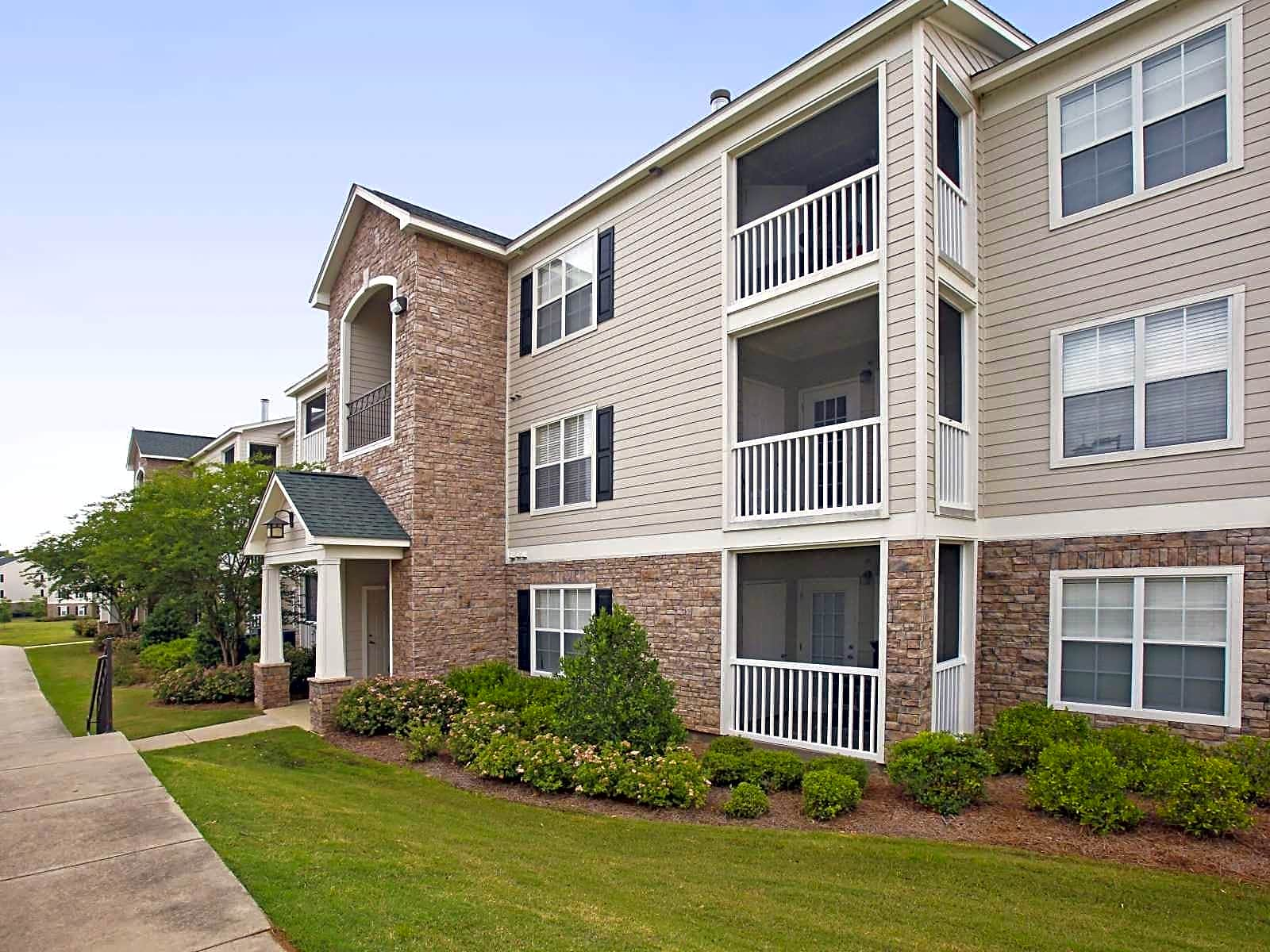 Apartments Near Auburn Montgomery Verandas at Taylor Oaks for Auburn University at Montgomery Students in Auburn, AL