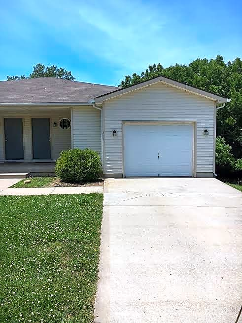 Duplex for Rent in Blue Springs