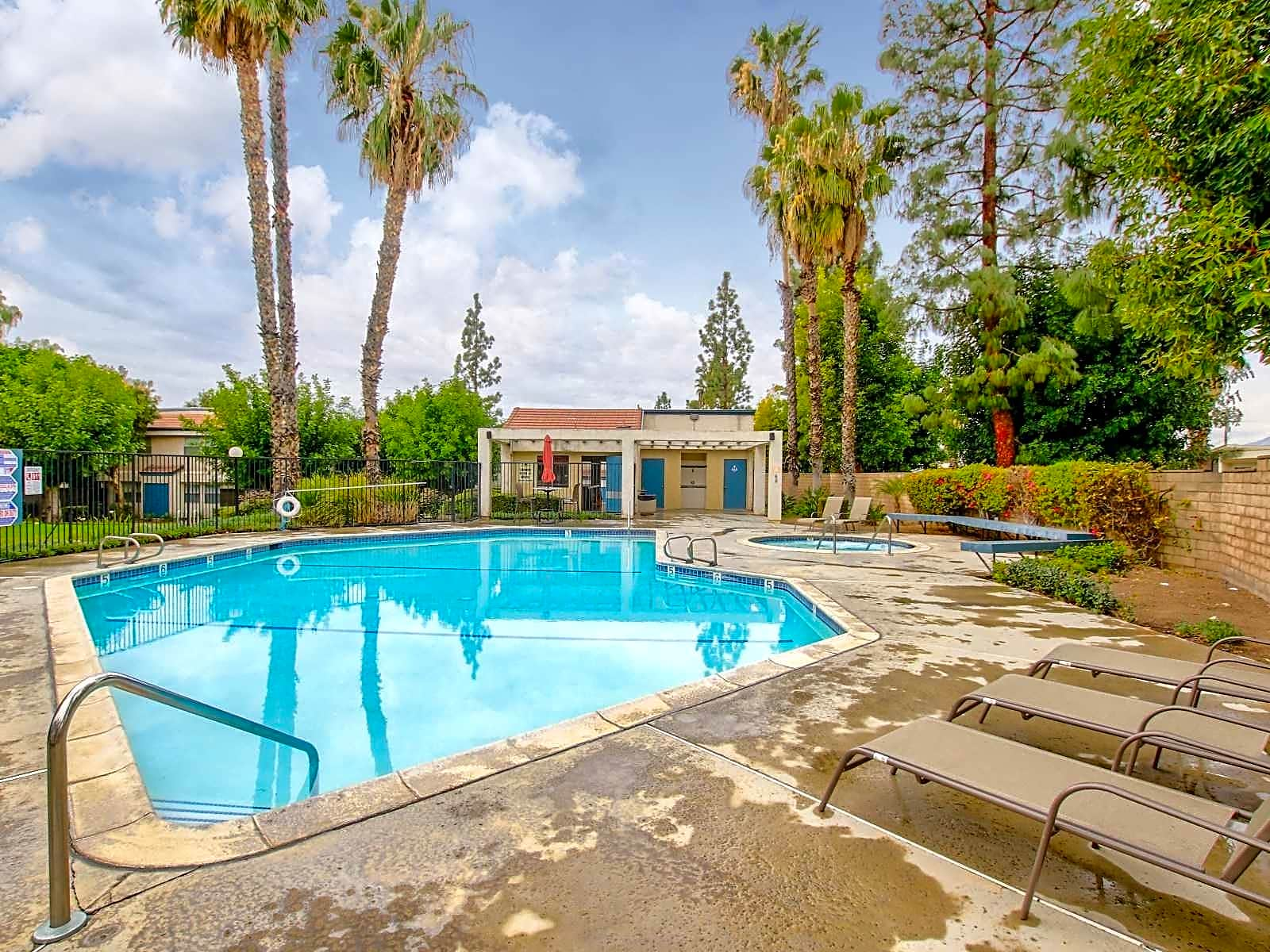 Apartments Near RCC Windwood for Riverside Community College Students in Riverside, CA
