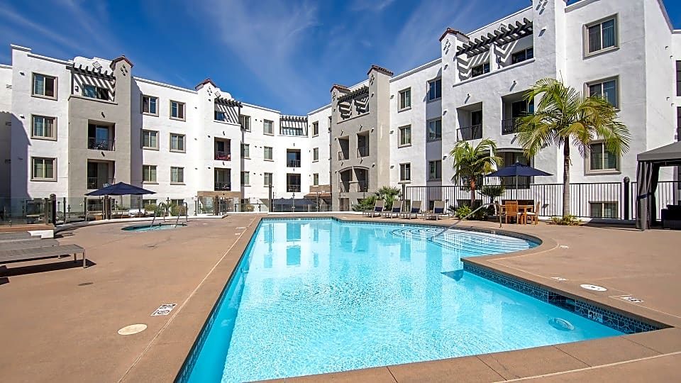 Apartments Near USD Arrive at Mission Valley for University of San Diego Students in San Diego, CA