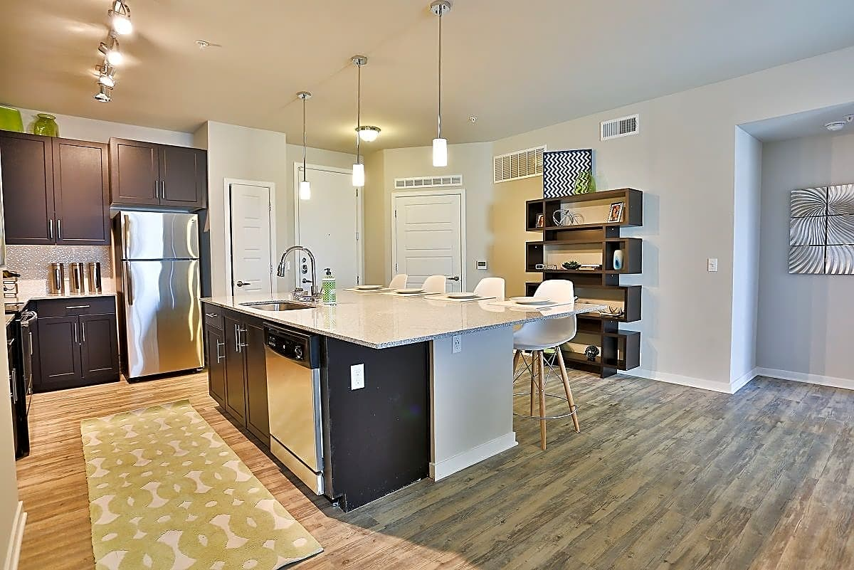College Apartments in Chandler | College Student Apartments