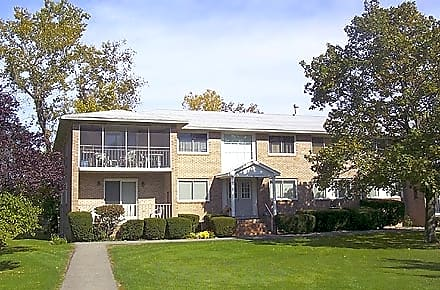 Clover Park Apartments for rent in Rochester
