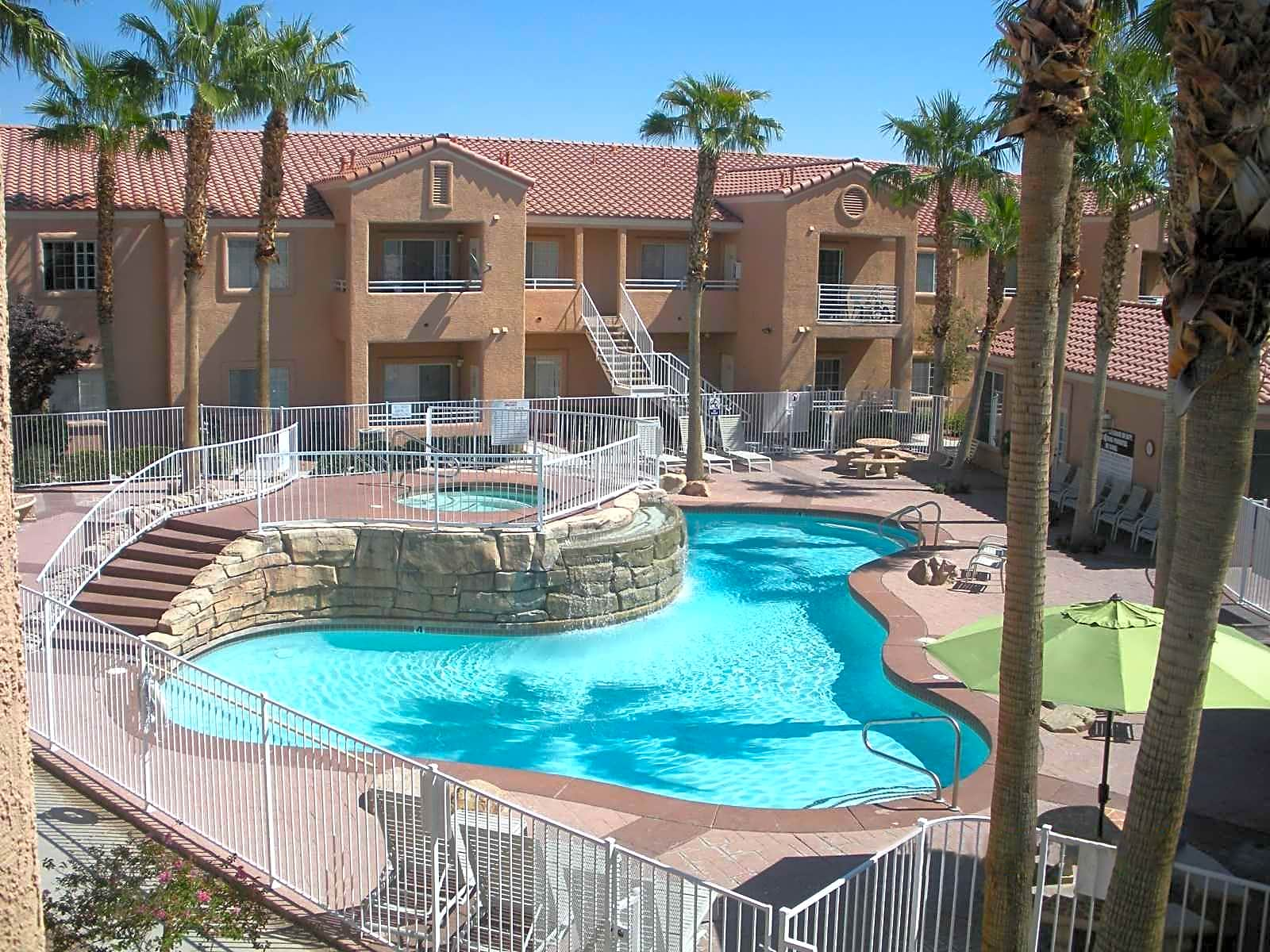 Apartments Near CSN Craig Ranch Villas for College of Southern Nevada Students in North Las Vegas, NV