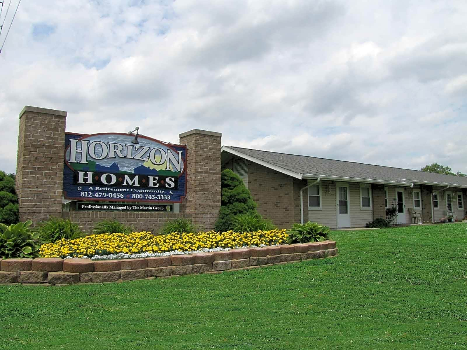 Apartments Near Ross Medical Education Center-Evansville Horizon Homes Retirement Community for Ross Medical Education Center-Evansville Students in Evansville, IN