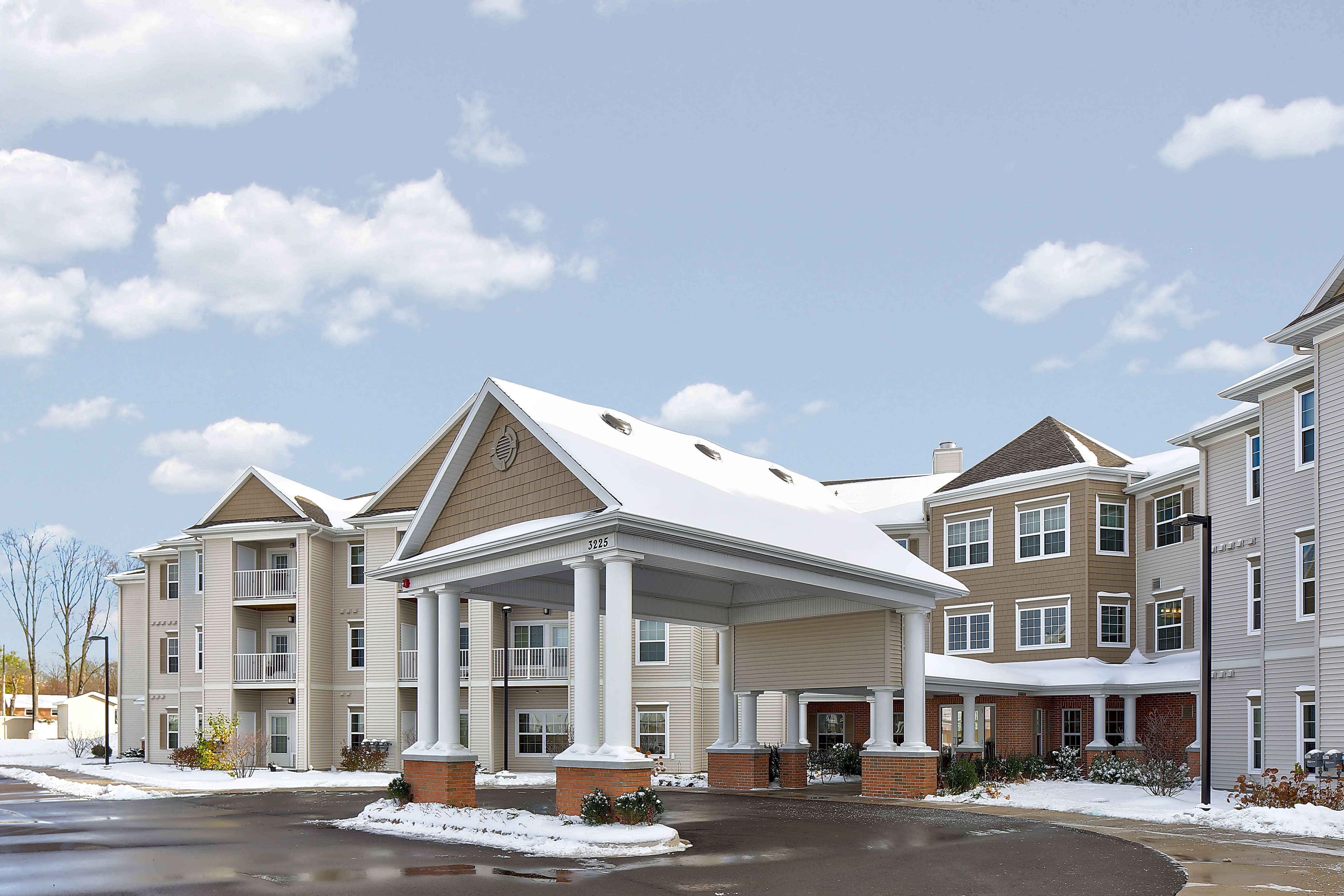 Apartments Near MSU Grandhaven Manor for Michigan State University Students in East Lansing, MI