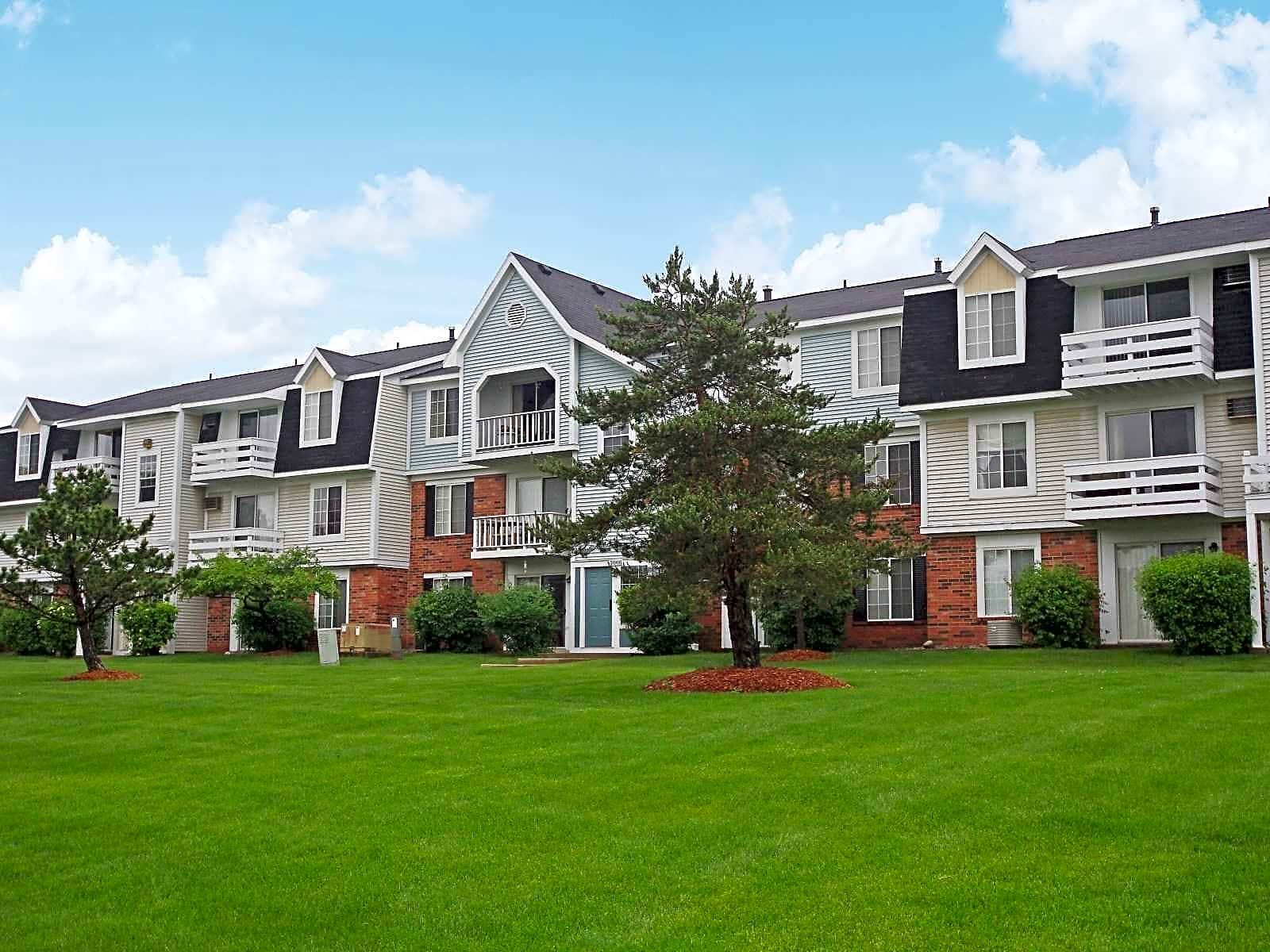 Apartments Near MSU Trappers Cove for Michigan State University Students in East Lansing, MI