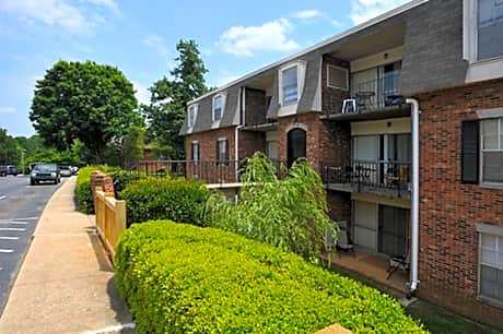 Photo: Greensboro Apartment for Rent - $800.00 / month; 3 Bd & 1 Ba