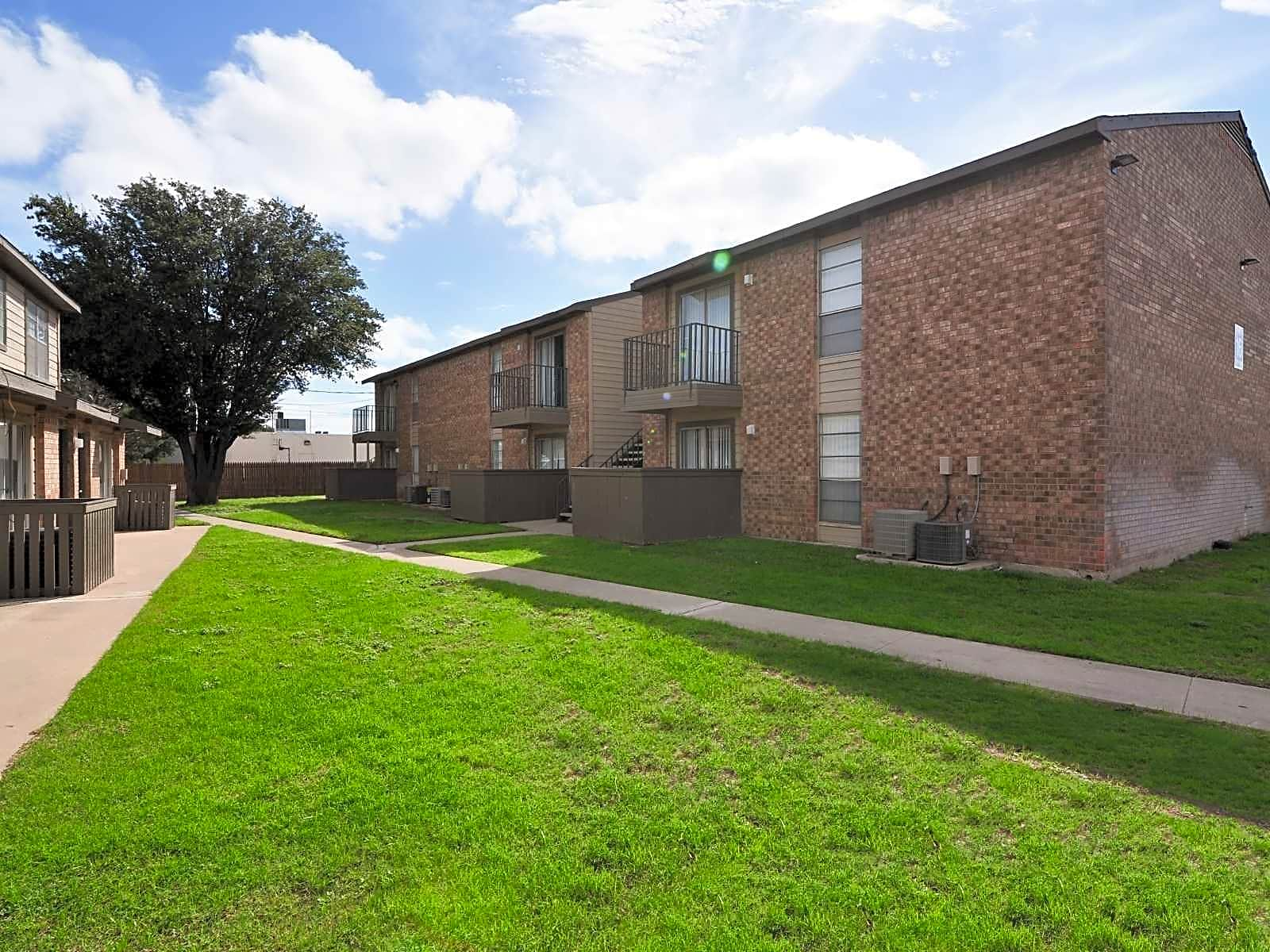 Apartments Near Midland College