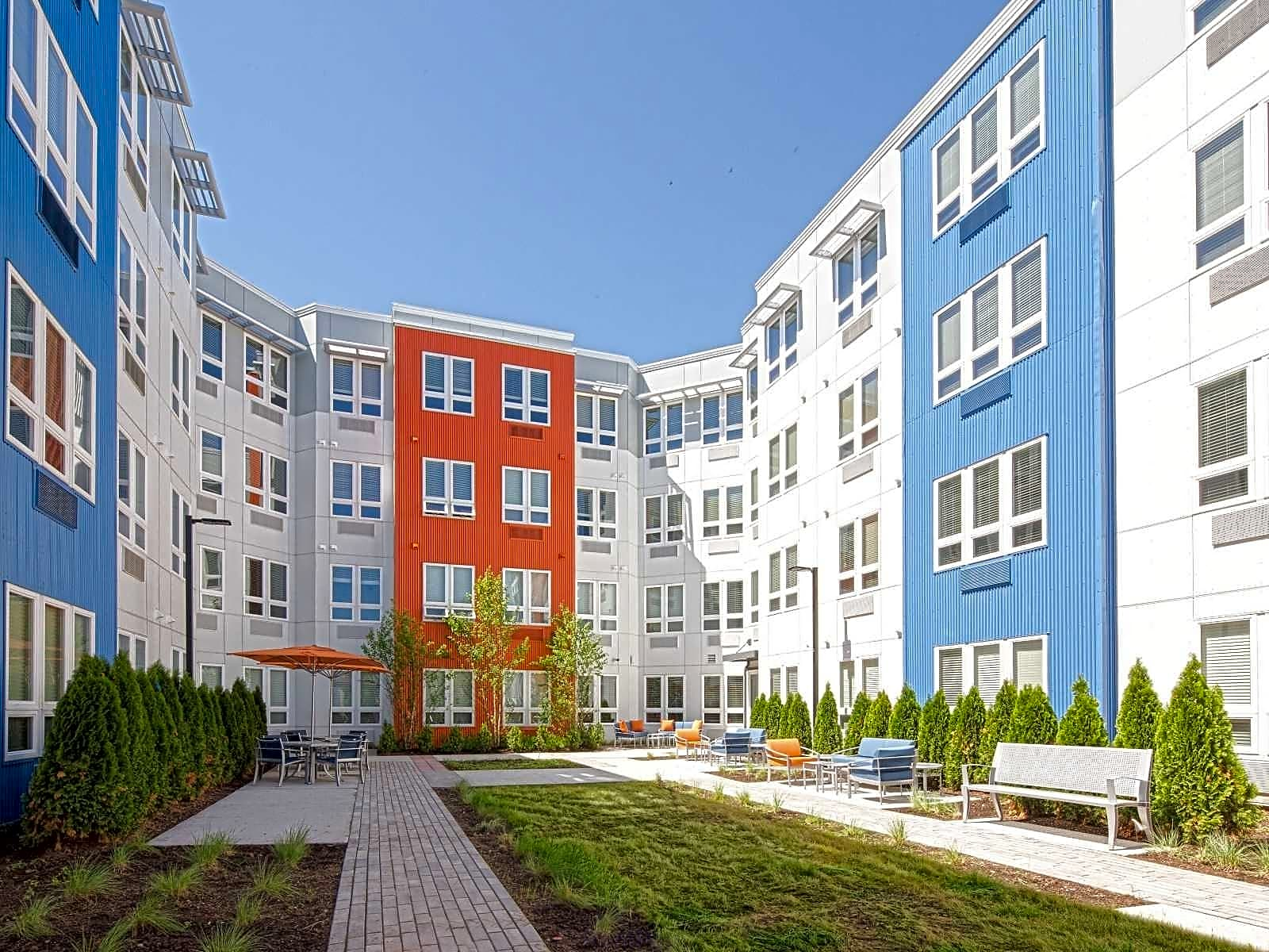 Apartments Near Rutgers The Cobalt in Somerville for Rutgers University Students in New Brunswick, NJ