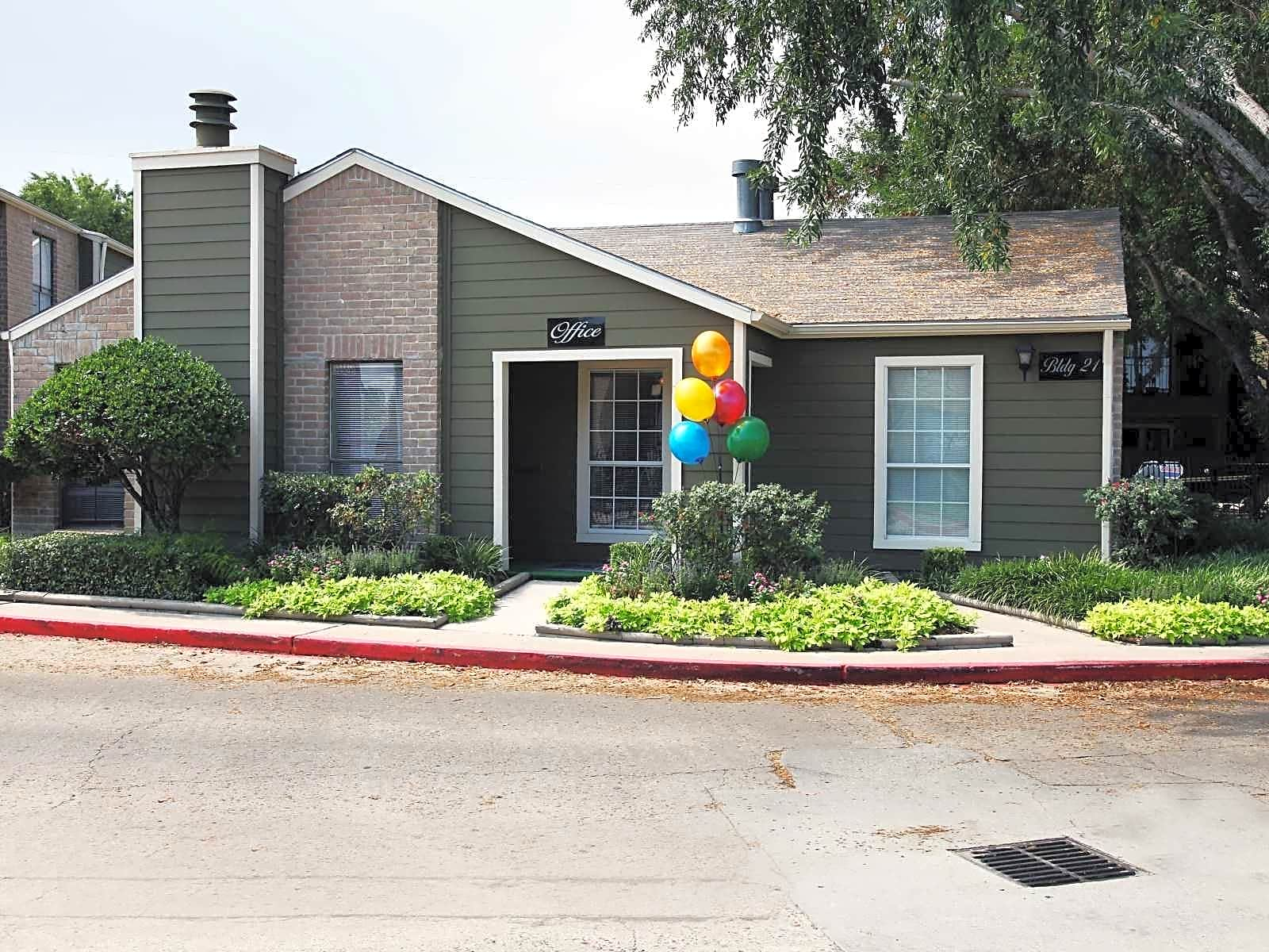 Photo: Houston Apartment for Rent - $875.00 / month; 3 Bd & 2 Ba
