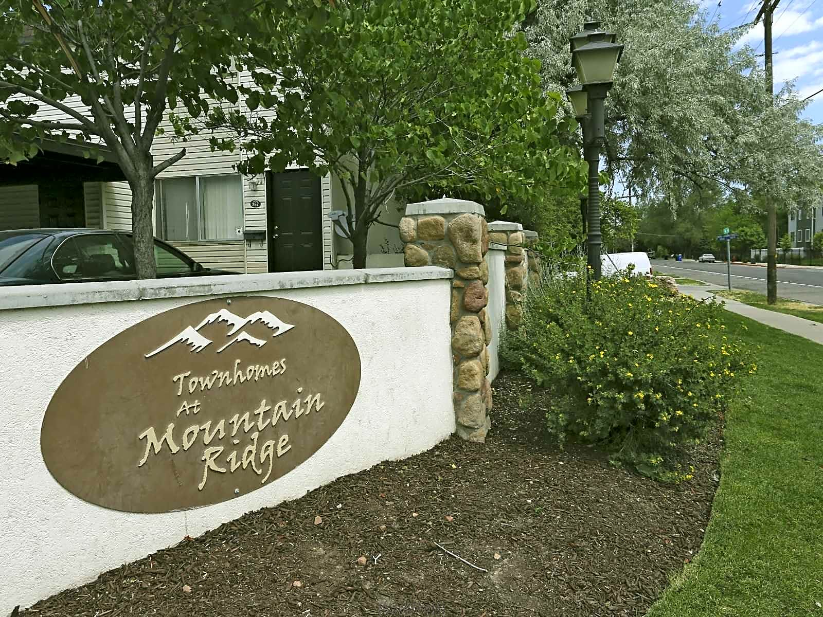 Townhomes at Mountain Ridge