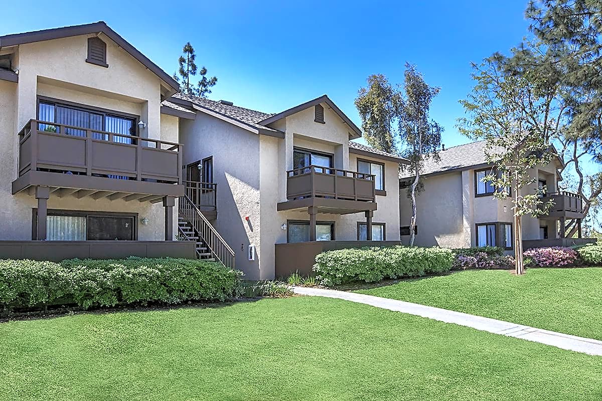 Spring Lakes Apartment Homes - Cypress, CA 92630