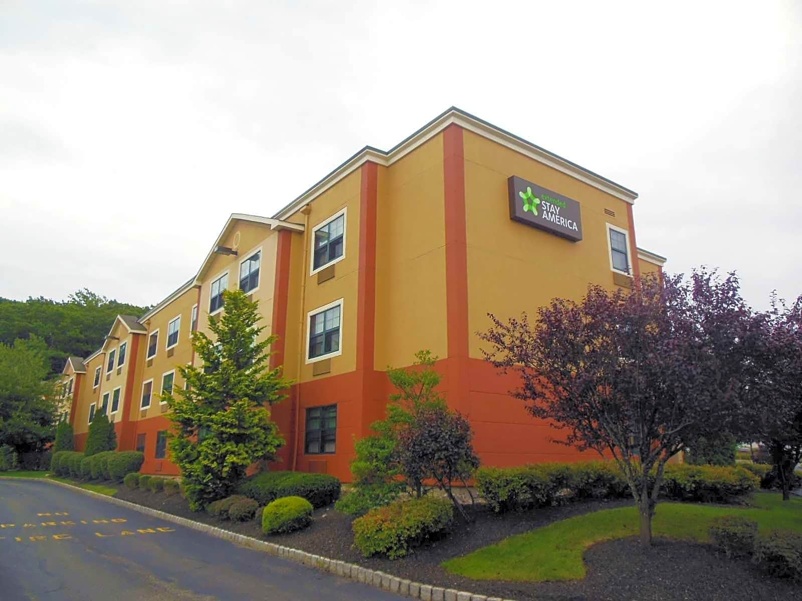 Apartments Near RCC Furnished Studio - Ramsey - Upper Saddle River for Rockland Community College Students in Suffern, NY