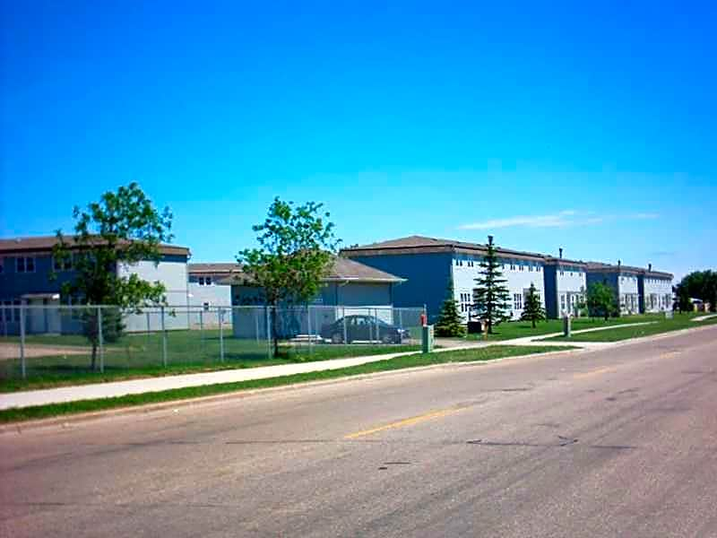 Apartments Near MSU Lakeside Homes for Minot State University Students in Minot, ND
