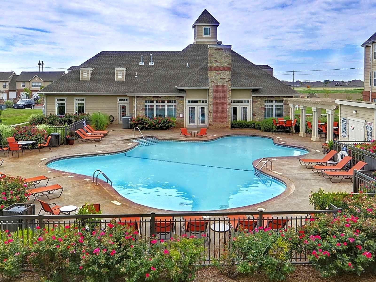 Apartments Near AC Colonies At Hillside for Amarillo College Students in Amarillo, TX