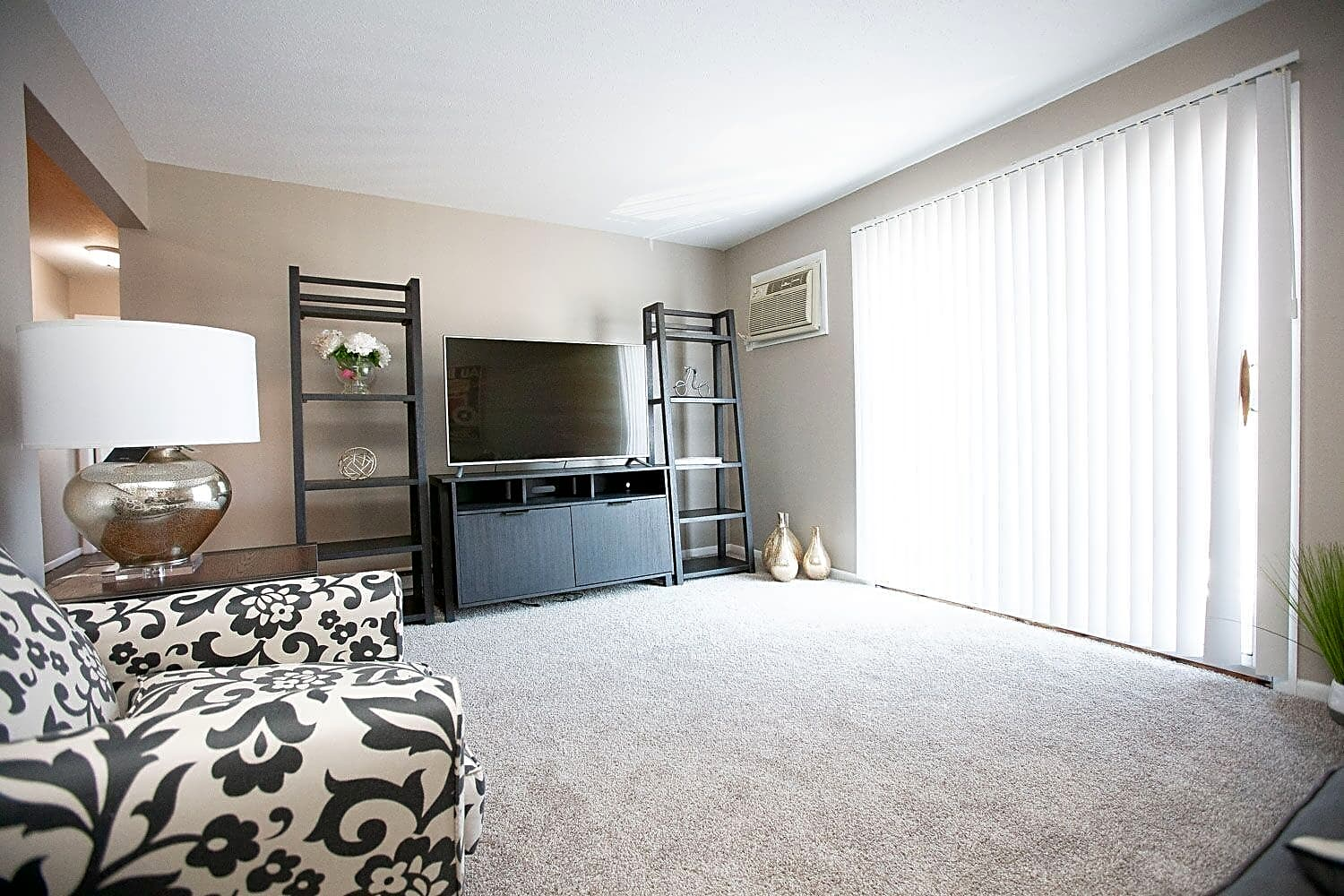 Apartments Near BGSU Brandon Manor for Bowling Green State University Students in Bowling Green, OH