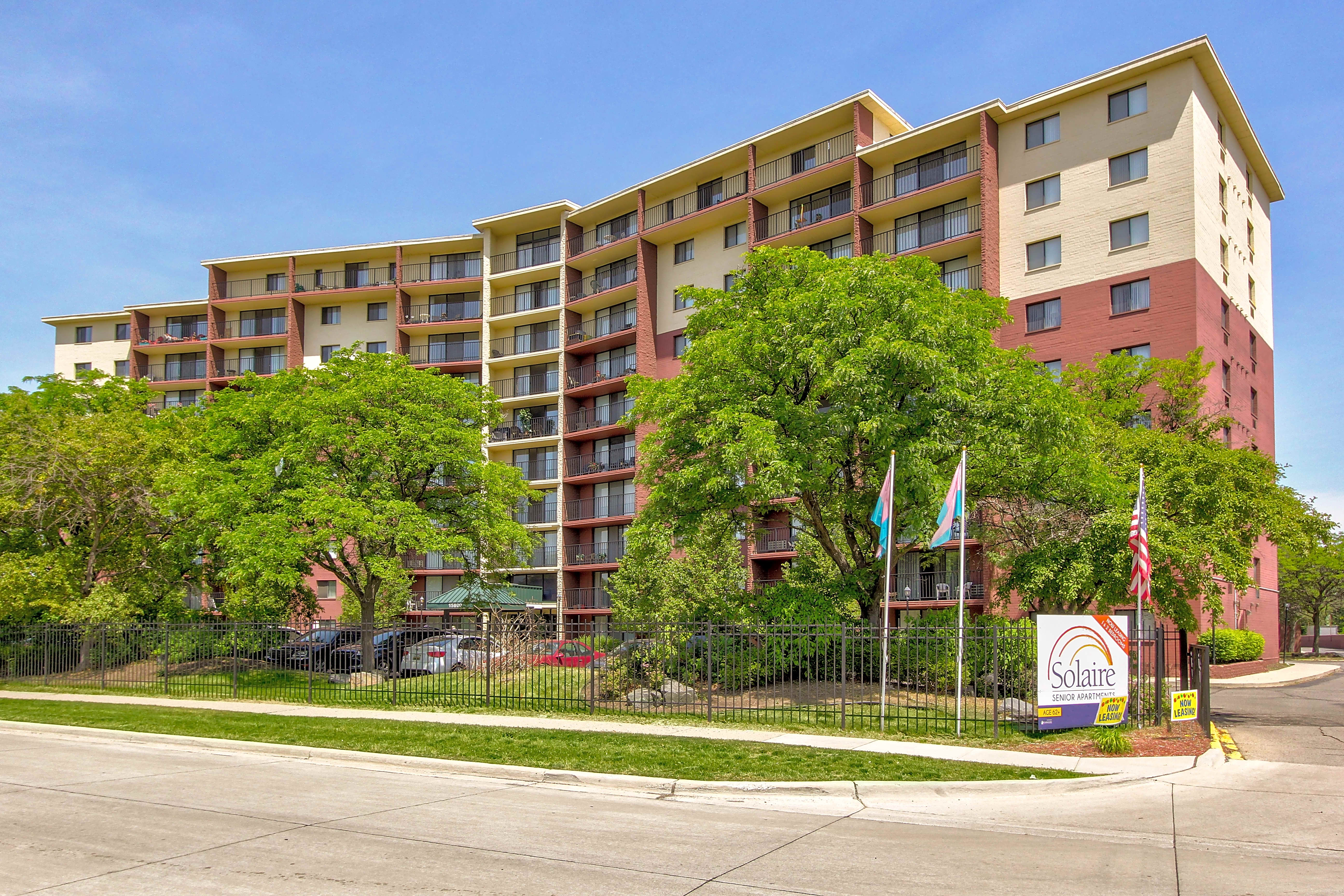 Apartments Near Lawrence Tech Solaire Senior Community 62+ for Lawrence Technological University Students in Southfield, MI