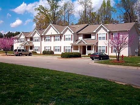 Foxborough Pines Apartments for rent in Henderson