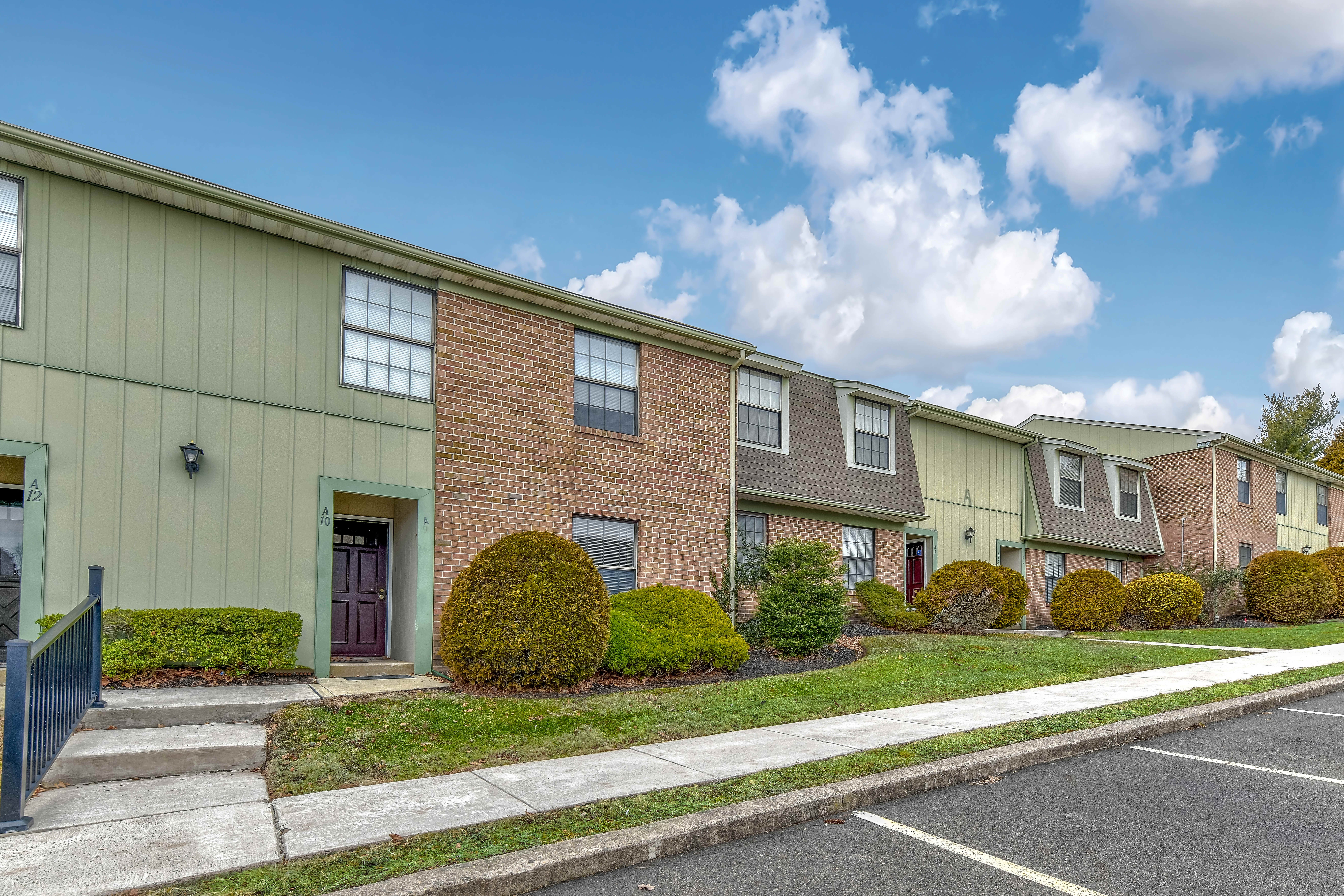 Apartments Near DelVal Apartments at Newpointe for Delaware Valley College Students in Doylestown, PA