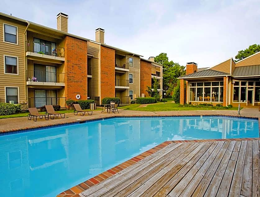 Apartments Near So-Naz Woodscape for Southern Nazarene University Students in Bethany, OK