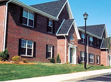 Apartments and houses for rent near me in bloomington for Brookridge heights apartments