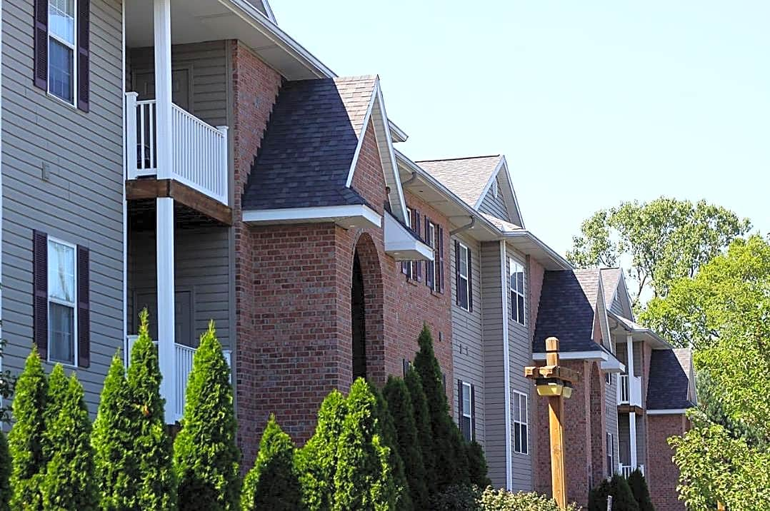 Apartments Near Stautzenberger College-Maumee The Ridge for Stautzenberger College-Maumee Students in Maumee, OH