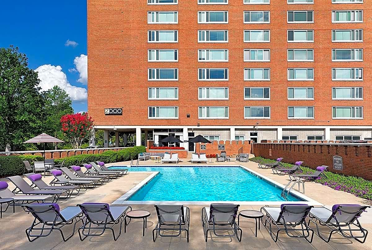 Pool and Year-round Sundeck