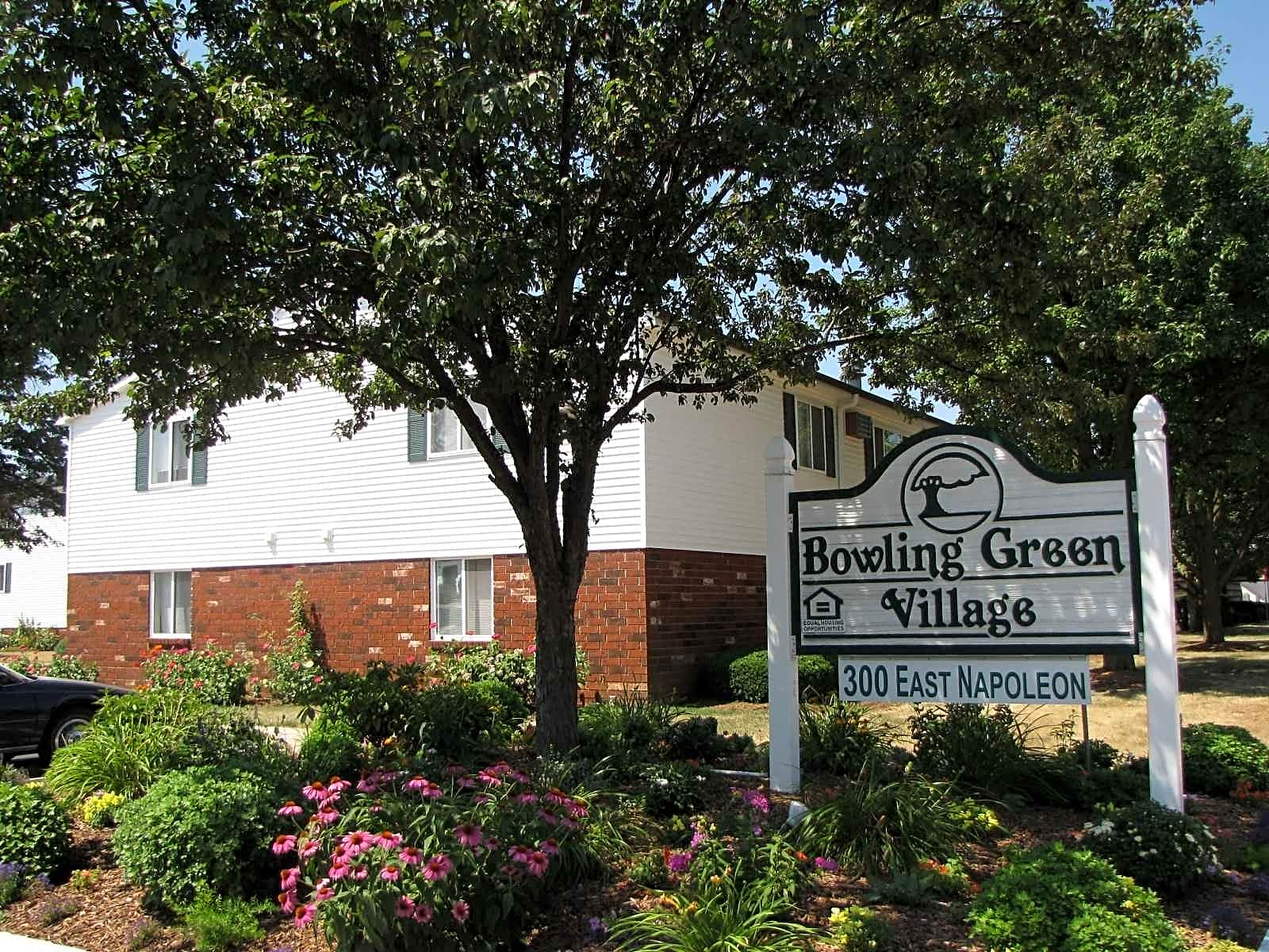 Apartments Near BGSU Bowling Green Village for Bowling Green State University Students in Bowling Green, OH