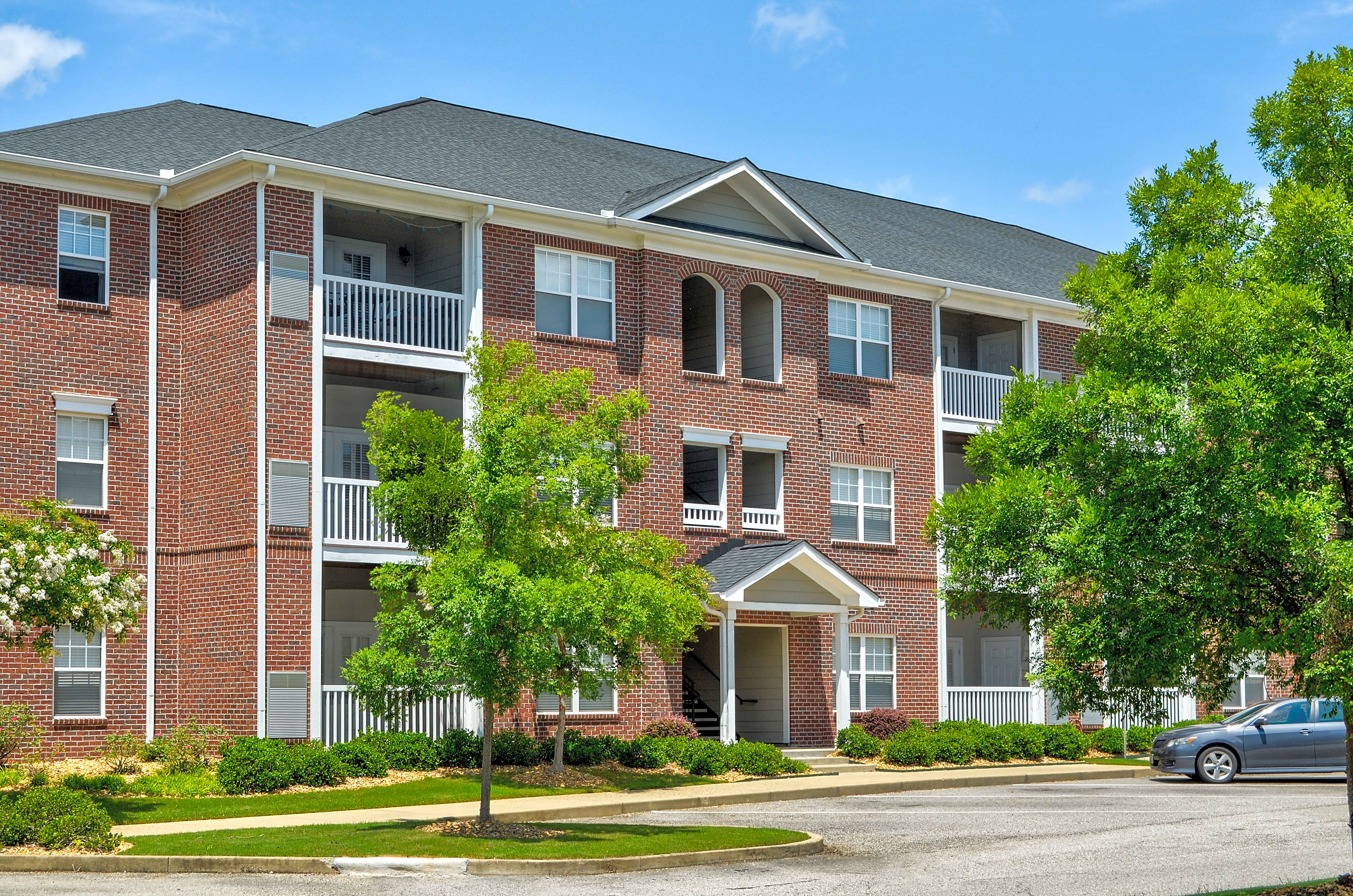 Apartments Near Auburn Montgomery Broadstreet At EastChase Apartments for Auburn University at Montgomery Students in Auburn, AL