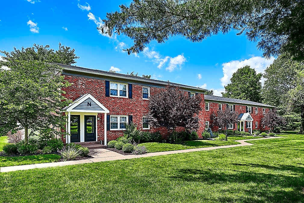 Apartments Near DelVal Dublin Village Apartments for Delaware Valley College Students in Doylestown, PA