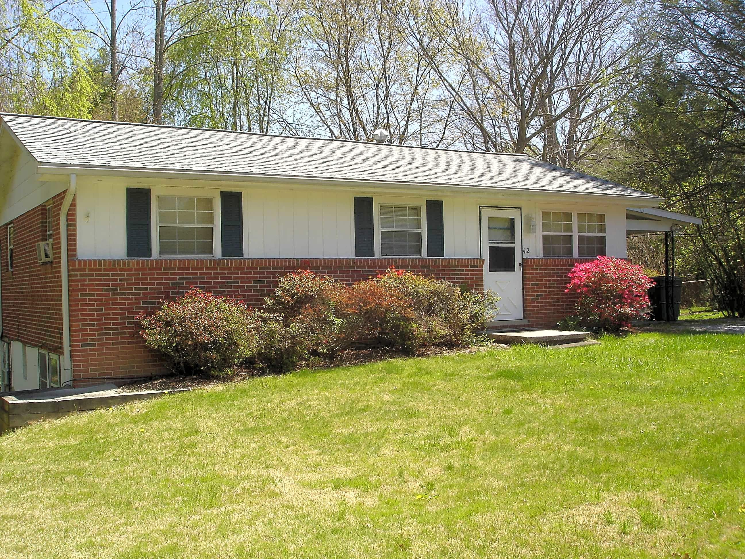 Duplex, Triplex, Quadplex for Rent in Hendersonville