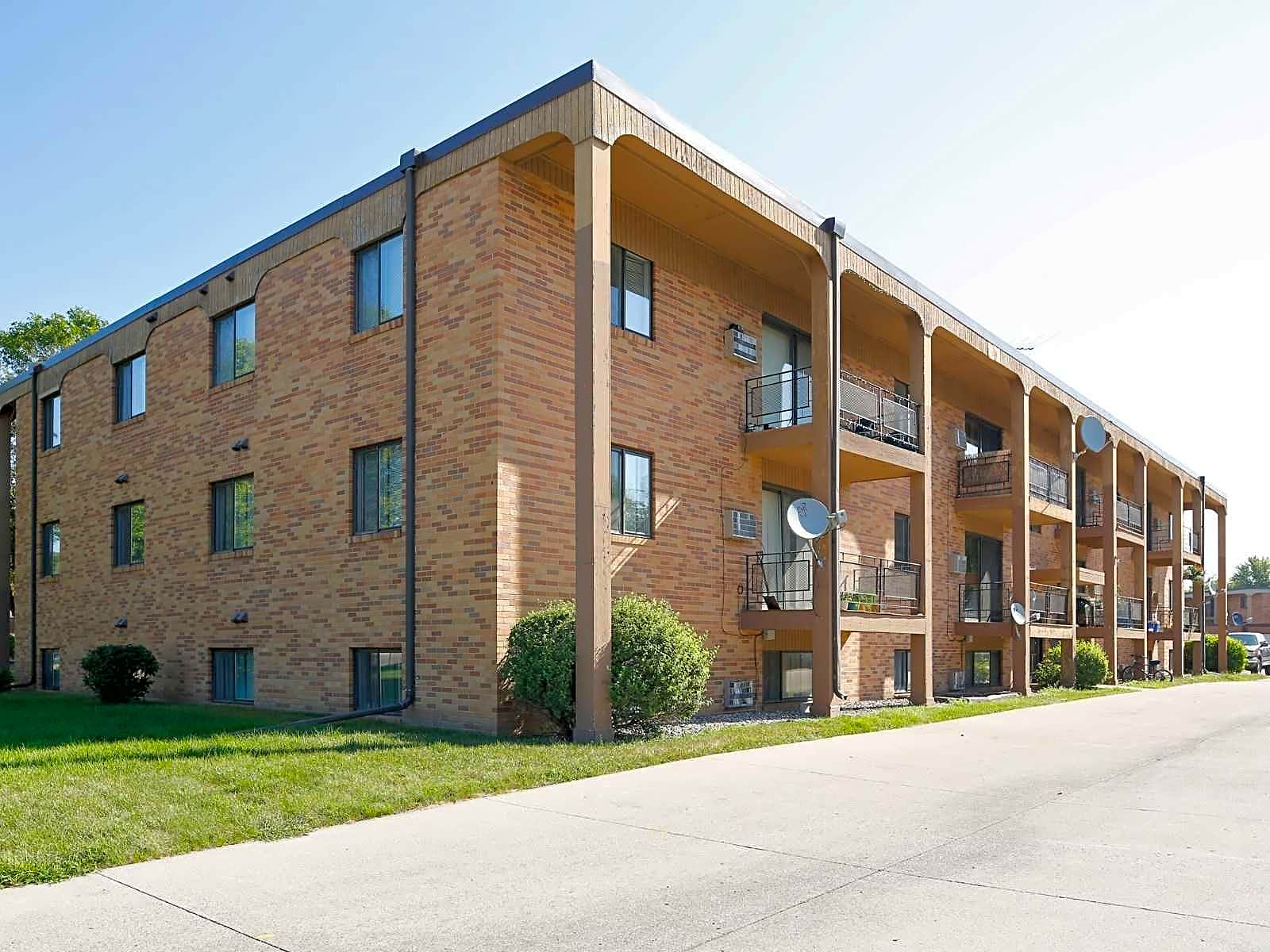 Apartments Near NDSU North Side Apartment for North Dakota State University Students in Fargo, ND
