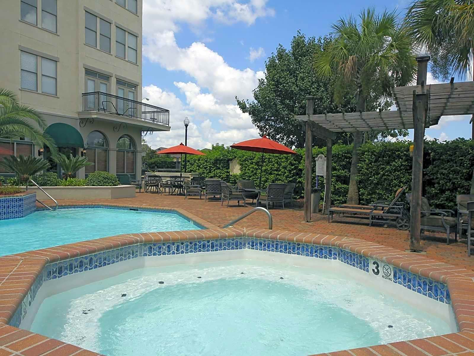 Apartments Near UL Lafayette MainStreet At River Ranch for University of Louisiana at Lafayette Students in Lafayette, LA