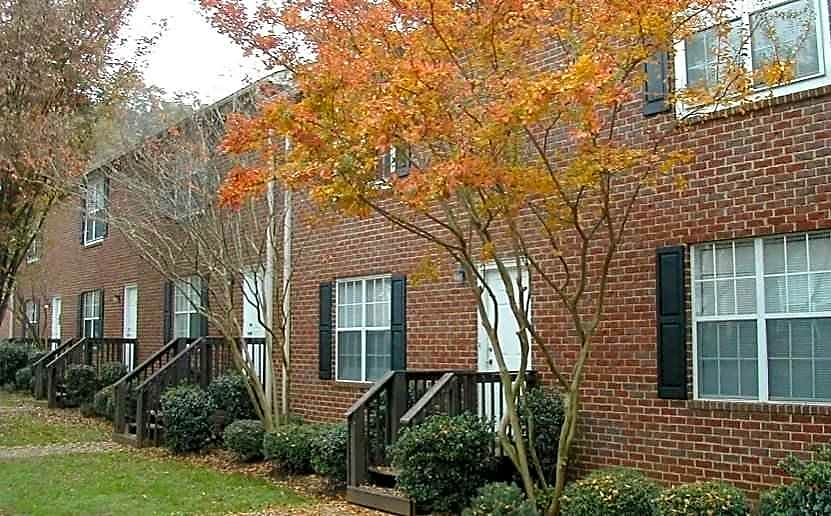 Apartments Near UGA St. Andrews Townhomes for University of Georgia Students in Athens, GA