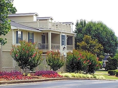 Photo: Chattanooga Apartment for Rent - $675.00 / month; 2 Bd & 1 Ba
