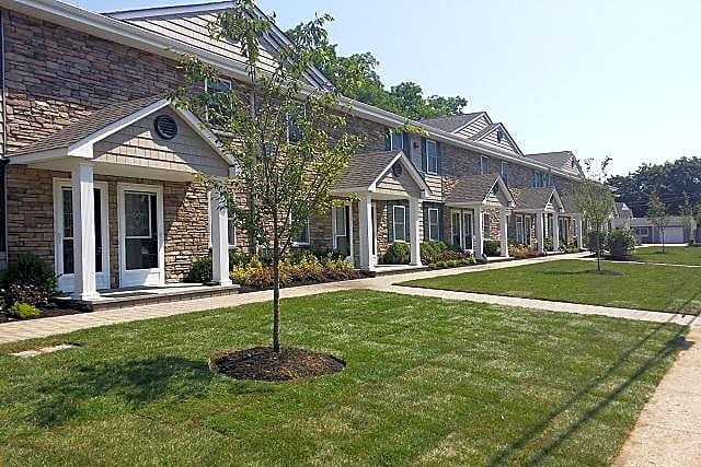 Apartments Near Briarcliffe College Fairfield Tudor At North Babylon for Briarcliffe College Students in Bethpage, NY