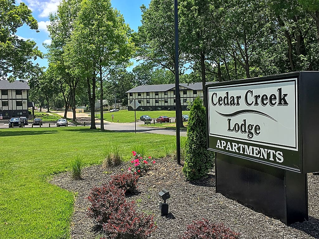 Apartments Near St. Louis Cedar Creek Lodge for Saint Louis Students in Saint Louis, MO