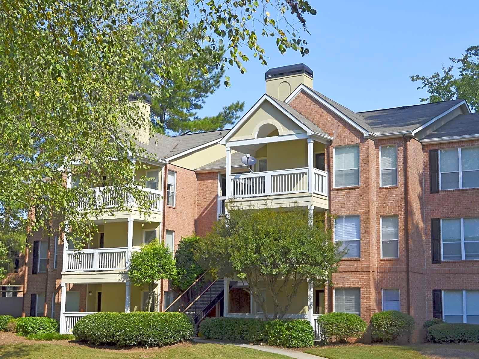 Country Oaks Apartment Homes