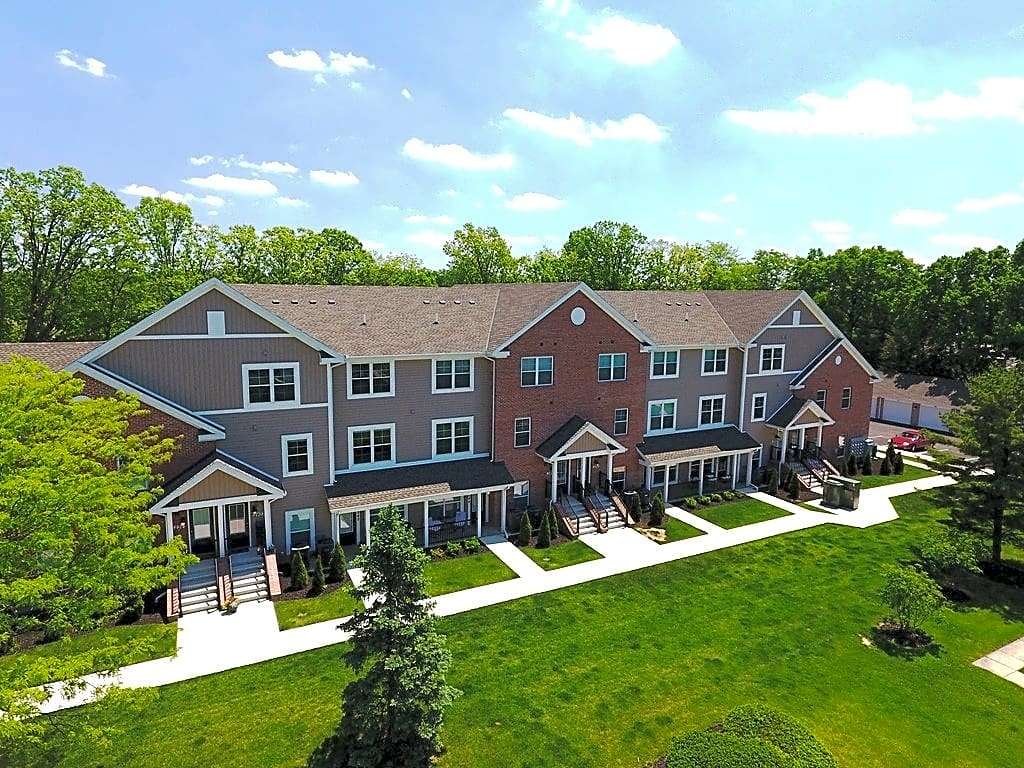 Apartments Near OWU Sanctuary Village for Ohio Wesleyan University Students in Delaware, OH