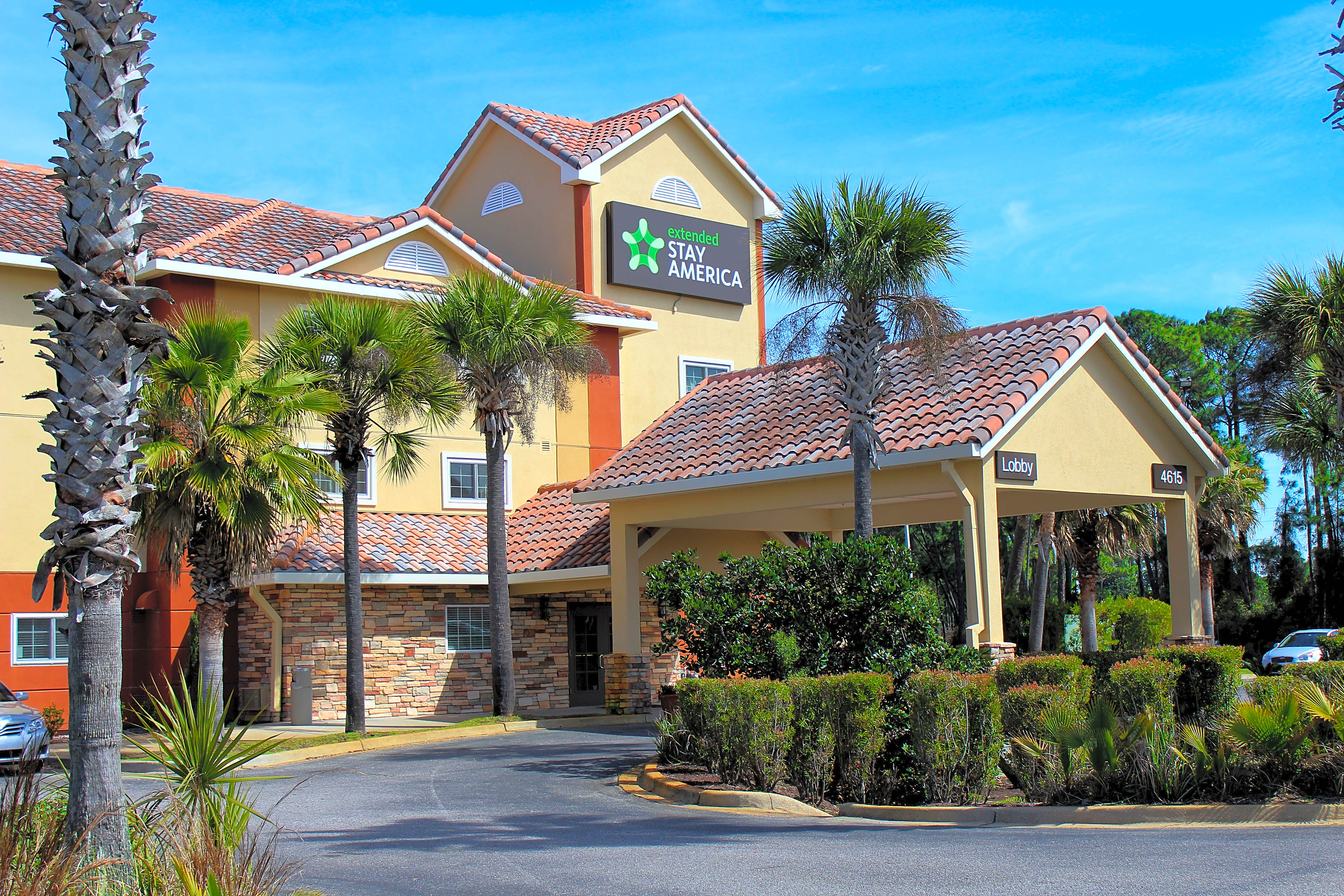 Apartments Near NWF State Furnished Studio - Destin - US 98 - Emerald Coast Pkwy. for Northwest Florida State College Students in Niceville, FL