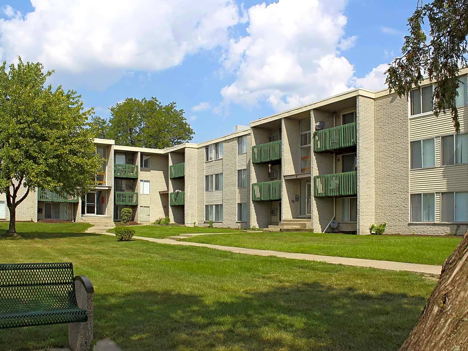 Bloomfields Fox Pointe Apartments Pontiac MI