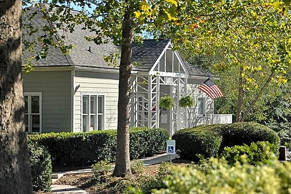 Apartments Near UNC | College Student Apartments