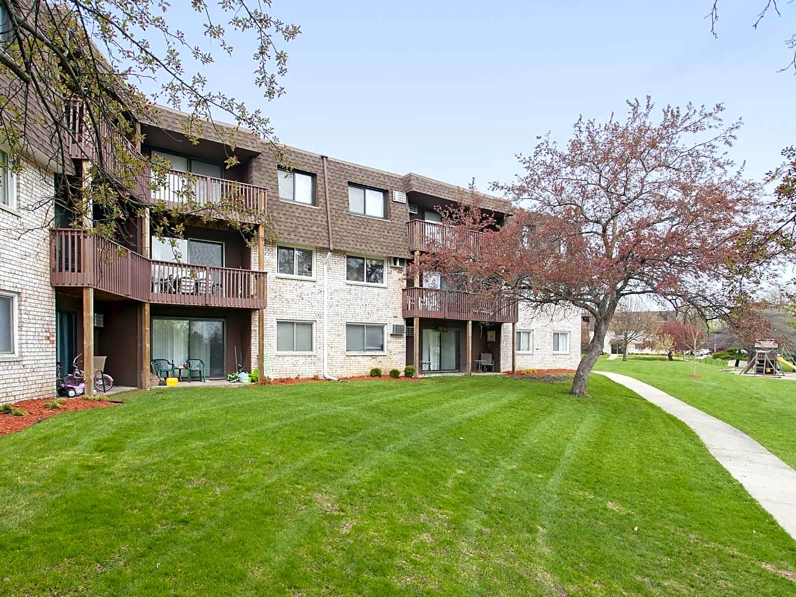 Riverview Apartments Brooklyn Park Mn 55444