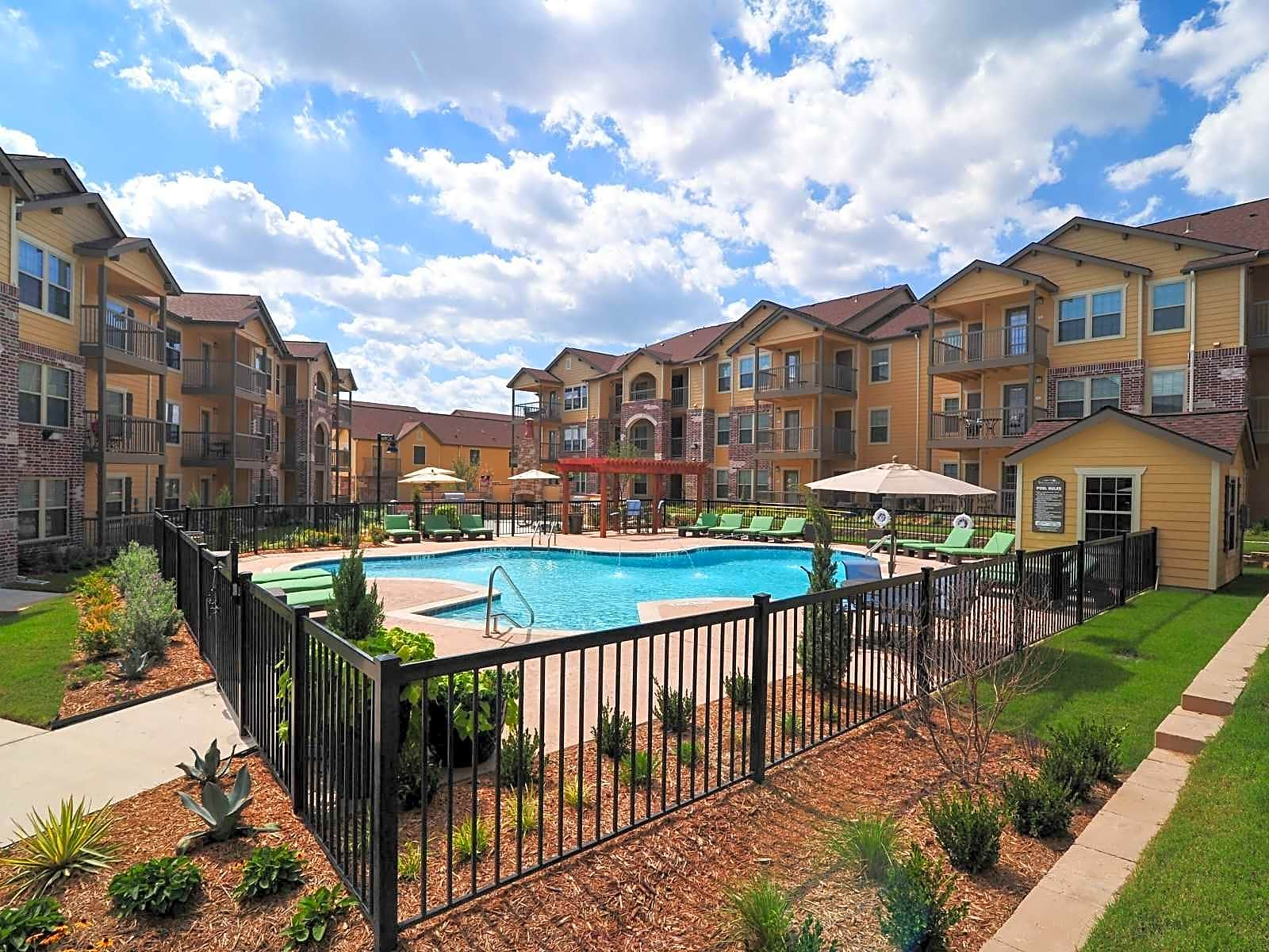 Apartments Near MCC Tuscany Ranch for McLennan Community College Students in Waco, TX