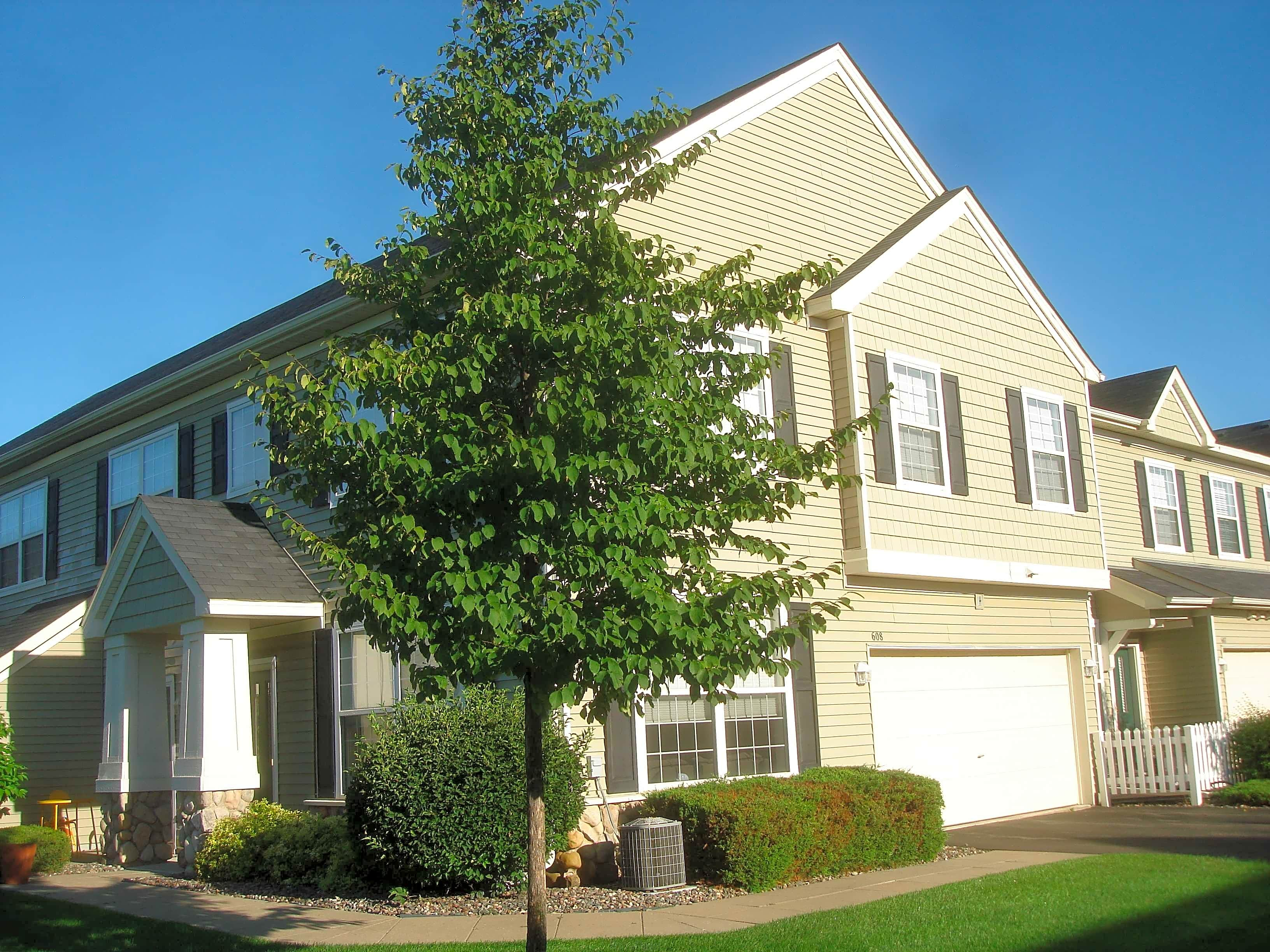 Condo for Rent in Plymouth
