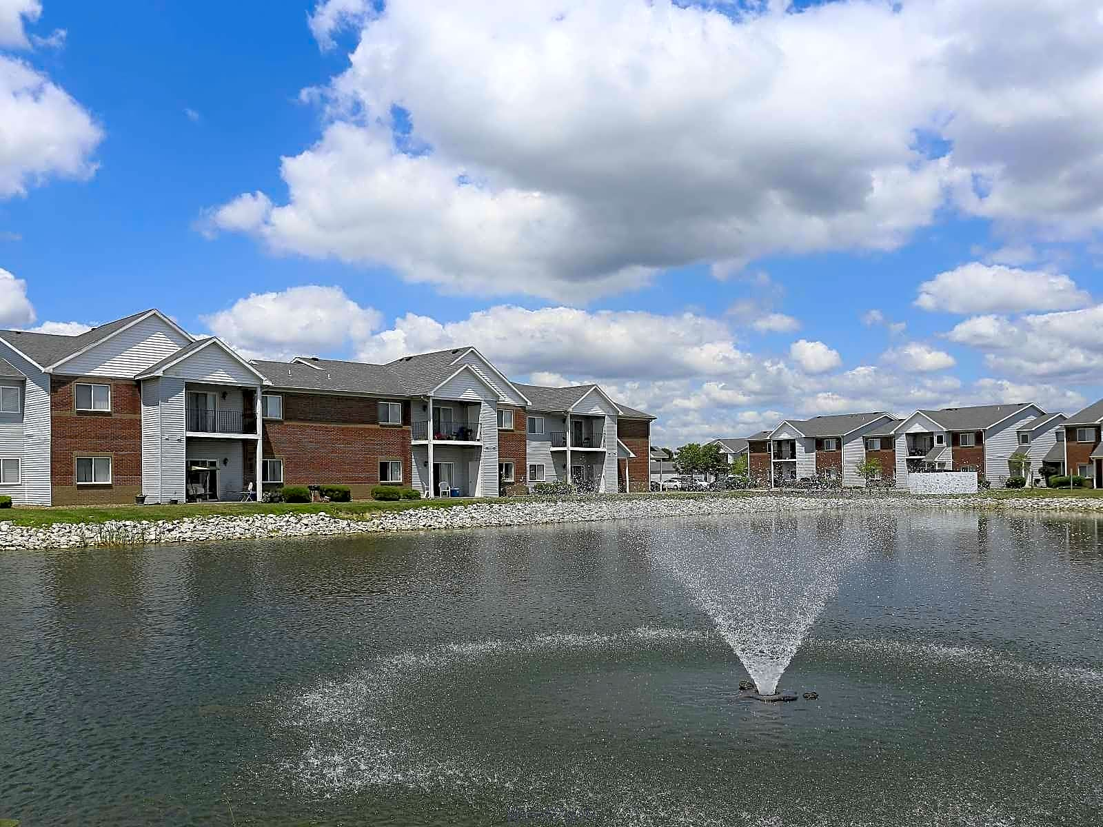 Apartments Near Ross Medical Education Center-Evansville Cross Lake Apartments for Ross Medical Education Center-Evansville Students in Evansville, IN