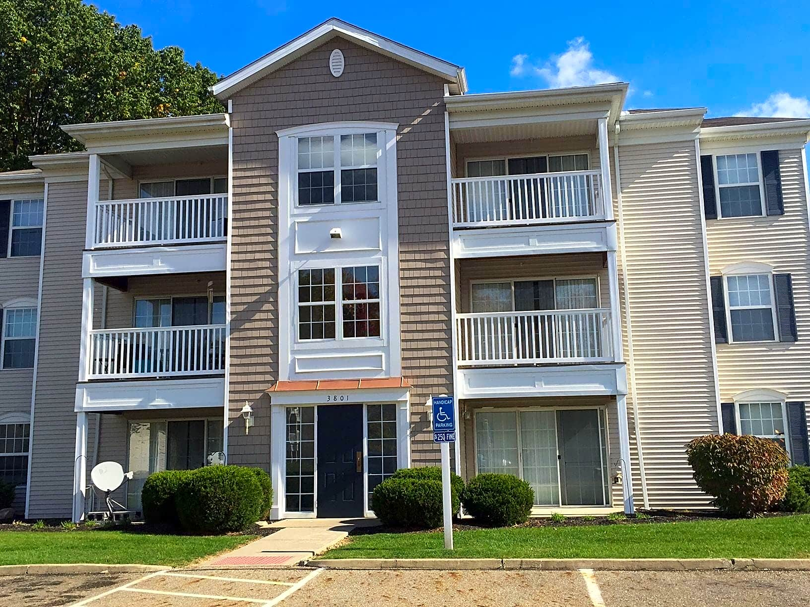 Apartments Near Northeast Ohio Medical University College Student