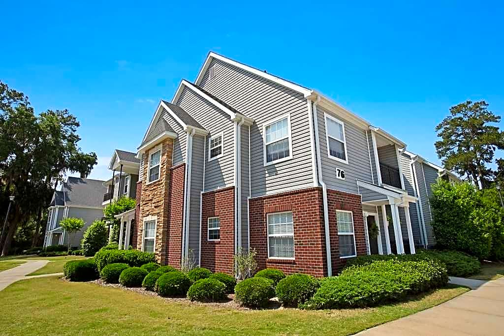 Crowne at old carolina apartments bluffton sc 29910 for Apartments near savannah college of art and design